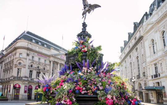 Floral Designers Surprise Londoners With A Series Of Secret 'Flower Flashes'